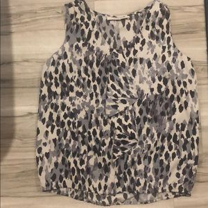 Leopard print blouse with one ruffle loft